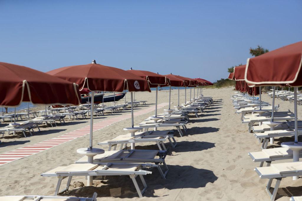 http://magna%20grecia%20village%20spiaggia%20attrezzata